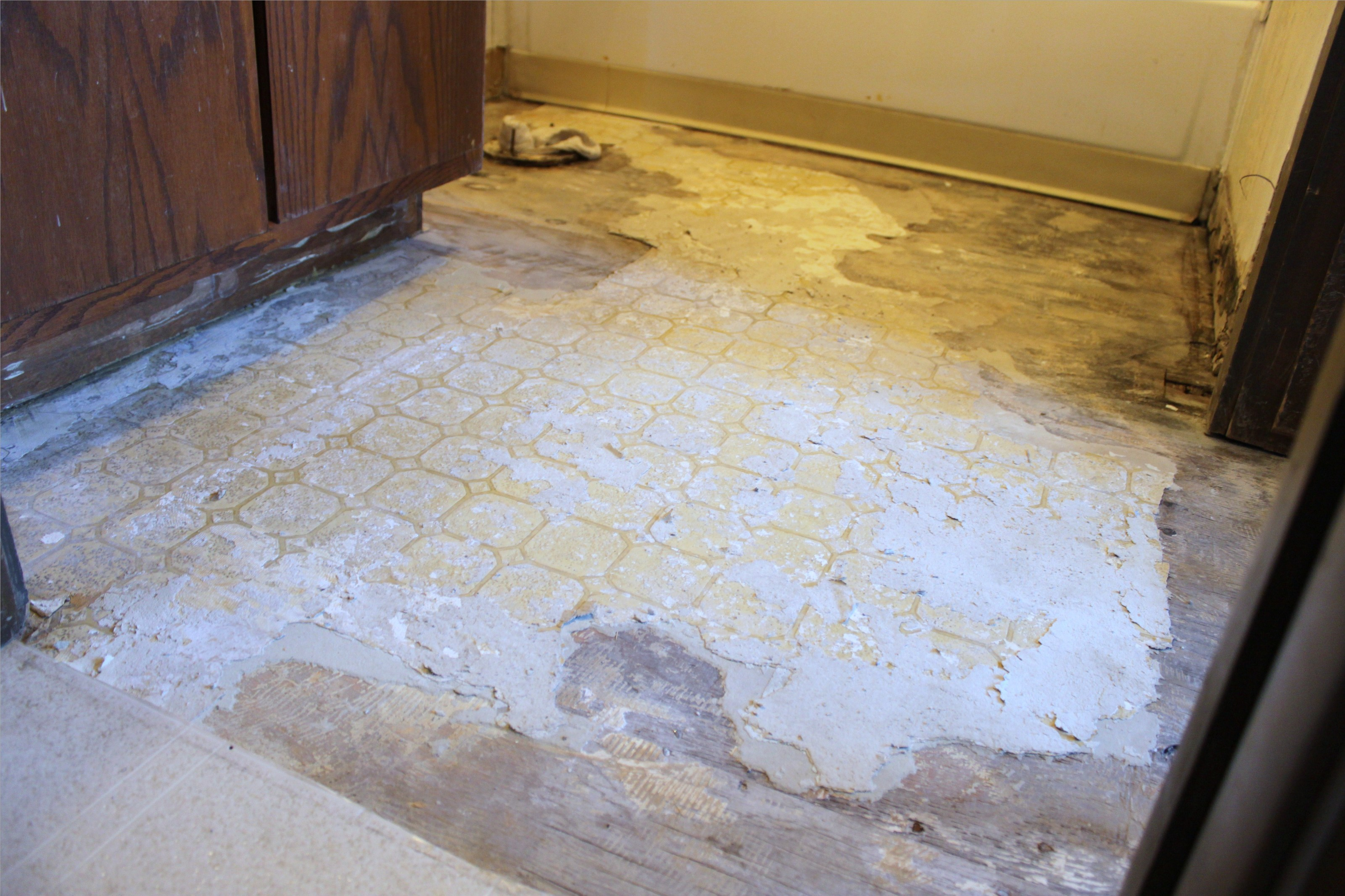 Install Bathroom Floor Underlayment : The importance of tile underlayment contractor