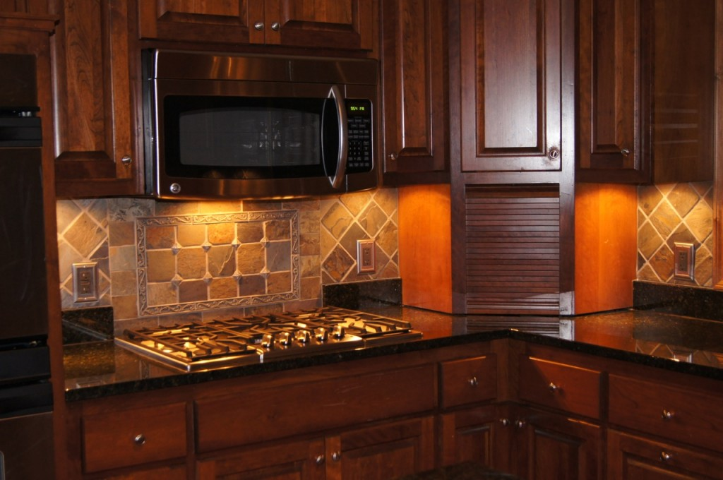 1000 images about backsplash ideas on pinterest for Kitchen cabinets and stones